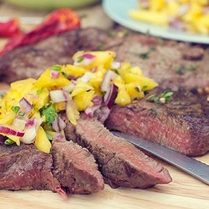 Hovädzie steaky s ovocnými salsami