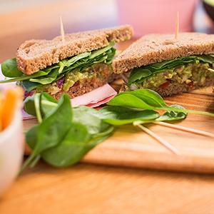 Avokádový Shrek sendvič