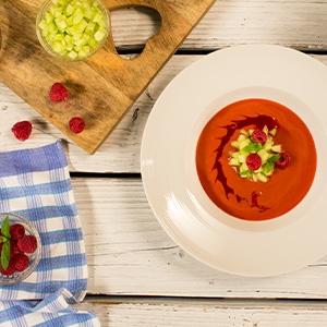 Malinové gazpacho z lásky
