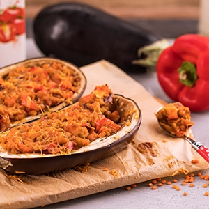 Baklažán s paradajkovo-šošovicovou plnkou