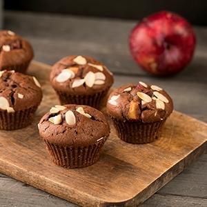 Perníkovo-kakaové muffiny so slivkami